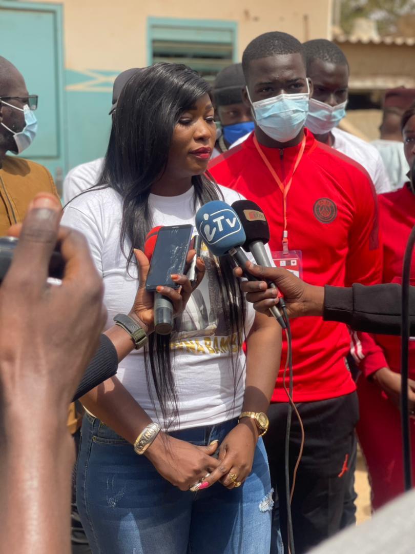 Lancement d'une journée de consultation gratuite et de remise de dons aux daaras accompagnée d'une sensibilisation contre la Covid19 par la journaliste Zeyna Bamba Ndiaye.