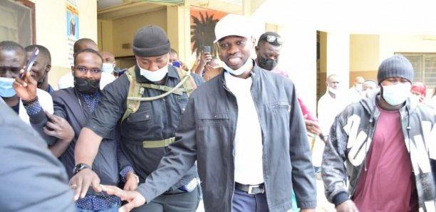 Urgent : Ousmane Sonko interdit d'accès au commissariat de Dieuppeul