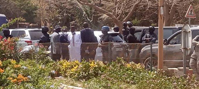 Ousmane Sonko se trouve-t-il à la Section des Recherches ? La déclaration inquiétante d'un de ses avocats