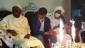 VIDEO - Youssou NDOUR et Cie fêtent l'anniversaire à son père Elimane Ndour