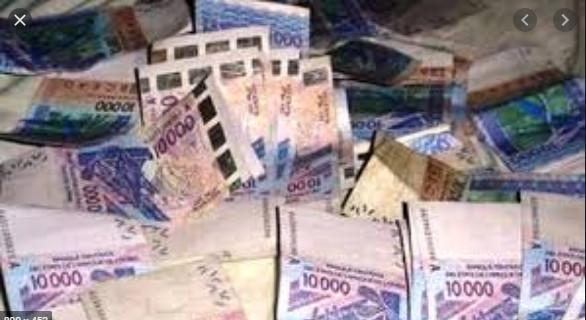 Escroquerie: Awa Seck escroque 8 millions de FCfa à son ex-copain