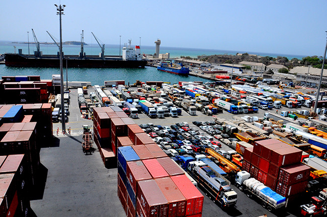 Impact de la COVID-19 sur le transport maritime: 50 décès et des milliers de pertes d'emplois