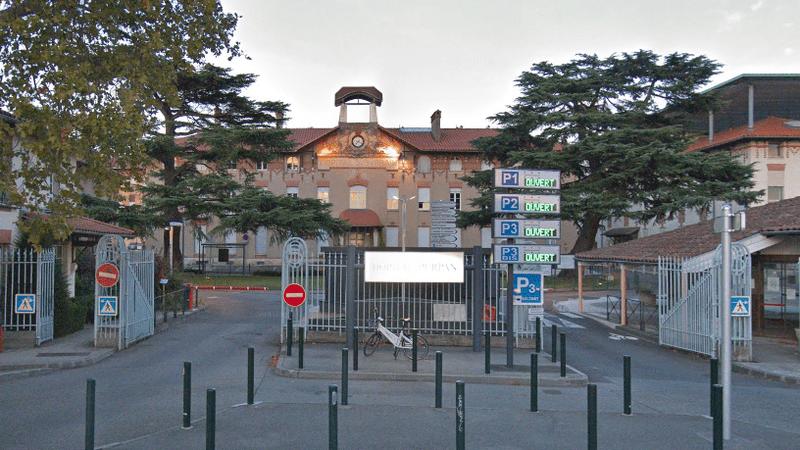 Covid-19: une enquête ouverte après un rassemblement festif à l'internat du CHU de Toulouse