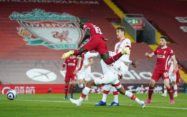 Premier League : Sur un magnifique service de Mo Salah, Sadio Mané inscrit son 9e but de la saison