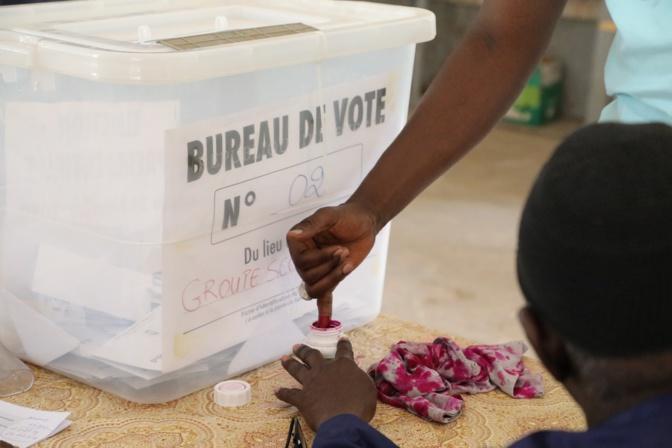 """Conclusion des évaluateurs sur les cartes des électeurs non retirées: """"Aucun contrôle fiable"""""""