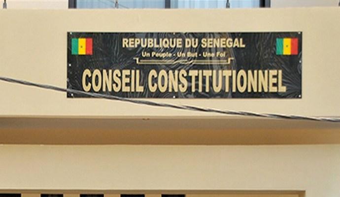 """Remarque du CRD : Composé de 4 membres, le Conseil constitutionnel """"source d'instabilité juridique"""""""