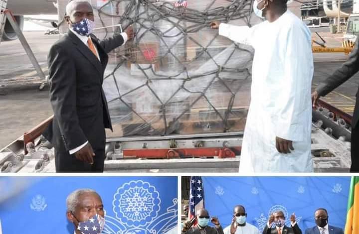 DON DES USA : Abdoulaye Diouf Sarr réceptionne 151.200 doses de vaccins Johnson & Johnson