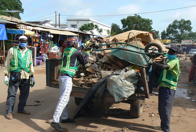 Tabaski à Dakar: Des milliers de tonnes de déchets ramassées par les agents du nettoiement