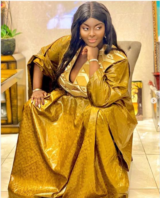 Tabaski: la chanteuse Abiba rayonnante en grand boubou