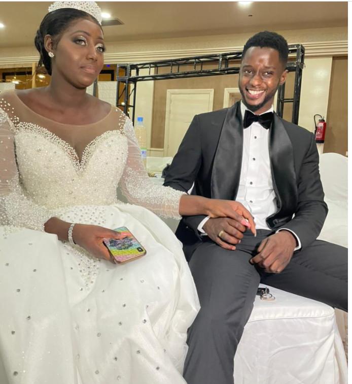 Réception de mariage: Sir et sa femme aux anges