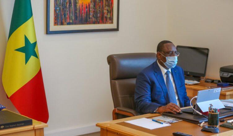"""Macky Sall : """"Si les gens ne vont pas se vacciner, tous nos efforts seront vains"""""""