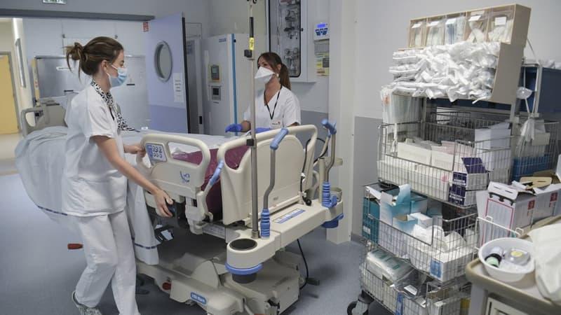 Covid-19: le nombre de malades augmente toujours à l'hôpital en France