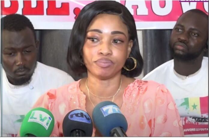 Fatoumata Ndiaye Fouta Tampani reçoit 2 véhicules,2 maisons et de l'argent