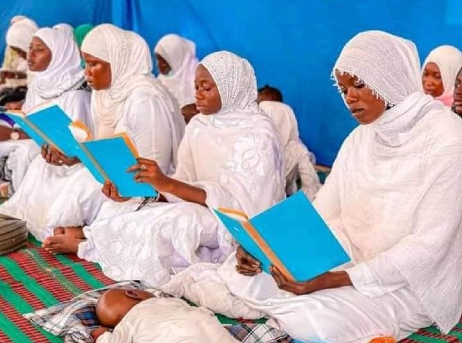 Lecture du Saint Coran: Ces belles images d'un groupe de jeunes filles célébrant le Magal