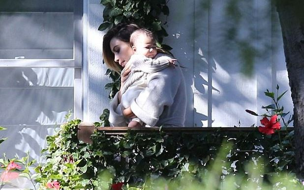 PHOTOS - Kim Kardashian : tendres câlins avec sa fille North