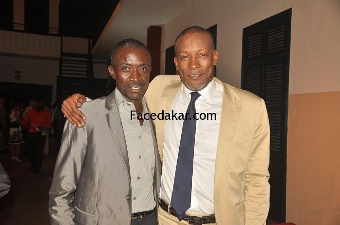 Le journaliste Johnson Mbengue de l'Apix en toute complicité avec son ami Oumar Sow