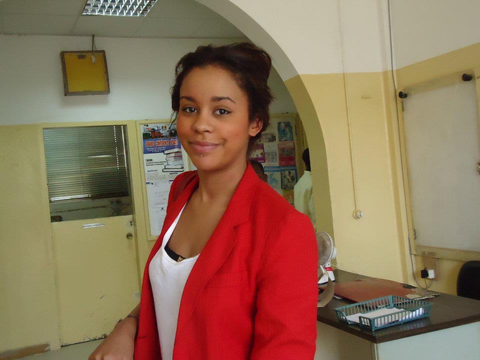 Léa Soukeyna Mbacké, la femme de  Ibou Kara quitte la RTS pour la TFM