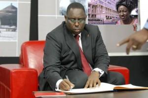 URGENT : Macky suprime 4 agences, ANEJ, FNPJ, ANAMA et AJEB