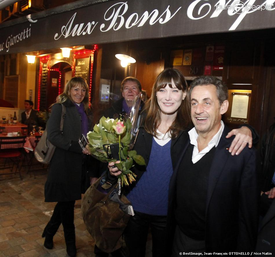 Carla Bruni : Rayonnante devant Nicolas pour une St-Valentin musicale