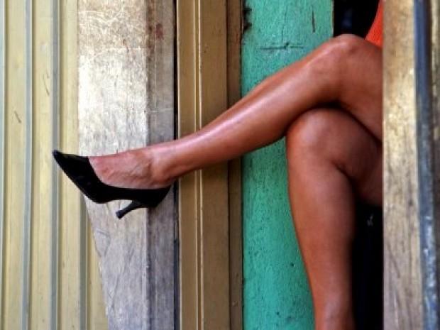 Pour une capote percée: Une prostituée réclame 75.000 francs