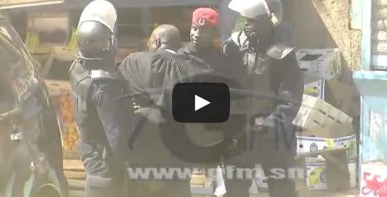 """Après avoir été brutalisé par la police, Me El Hadji Diouf jubile : """" Oooooh j´ai gagné !!! """""""