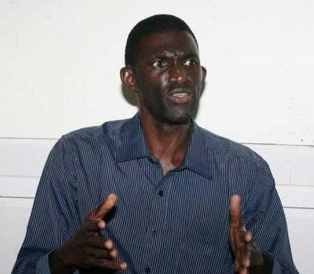 """Ansoumana Ndione: """"Quand un fou va jusqu'à lancer des pierres au palais Présidentiel..."""""""