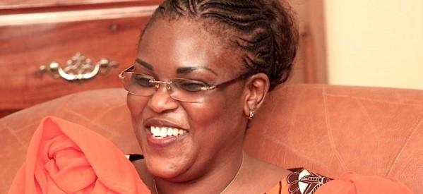 GRAND YOFF : Adama Faye s'attaque à Mimi devant Maréme Faye qui applaudit