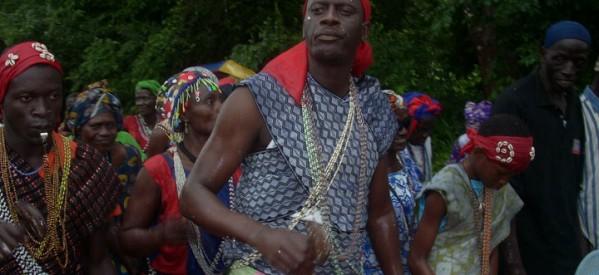 PEOPLE POLITIQUE - Le Ministre Benoit Sambou dans les bois sacrés