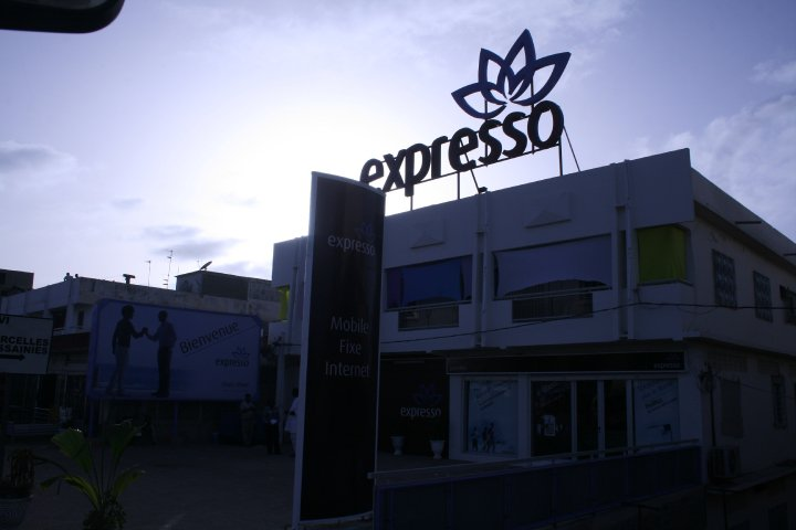 REVELATION - 70 personnes, c'est le nombre que Expresso Telecom emploie dans sa société