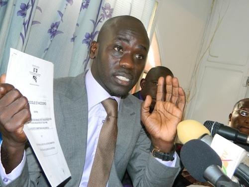 """Cheikh Yérim Seck : """" le Sénégal se laisse empoisonner par la toxine de la lutte """""""