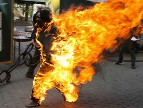 Guinguinéo: Un ex-agent du Trésor s'immole par le feu