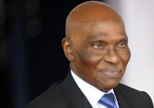 A Dakar, le retour du « Vieux» réveille la vie politique sénégalaise