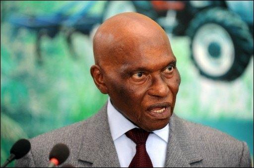 "Wade à FRANCE 24 : ""Macky Sall m'a empêché d'aller au Sénégal"""