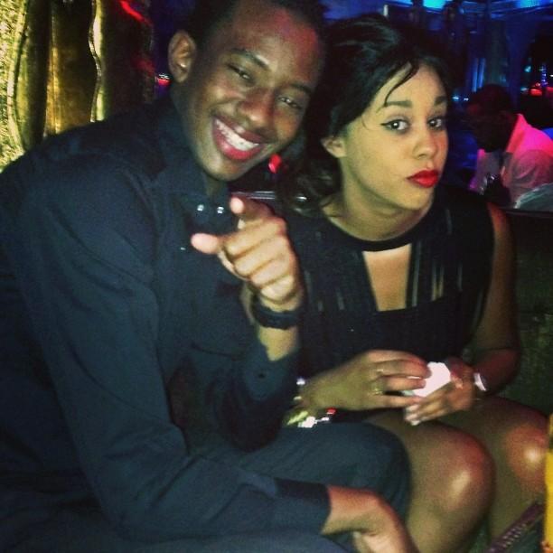 Ibou Kara Mbaké s'exhibe avec sa femme et insulte les ennemis !!!