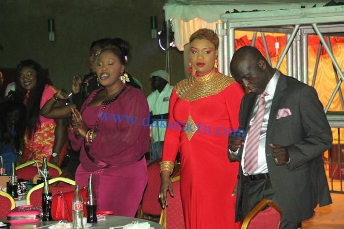 Zoom Photo: Serigne Mbacké Ndiaye emporté par le Mbalakh de Youssou Ndour