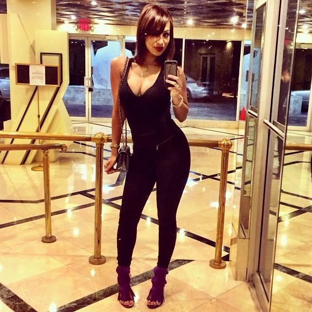 Aicha Ndiaye , la métisse qui vit à Miami, celle qui parle bien le wolof...