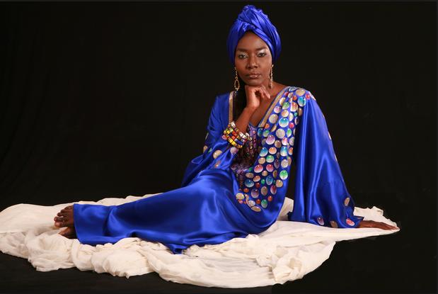 En public et chez les artistes, seule Coumba Gawlo Seck s'investit continuellement dans l'humanitaire d'après les ONG