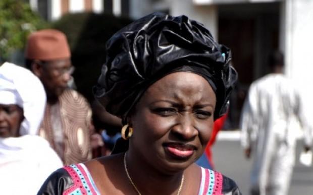 La Coalition Macky 2012 tire sur Mimi Touré
