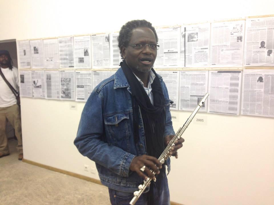 Le directeur de publication du journal le Populaire, Pape Samba Kane montre ses talents d'artiste