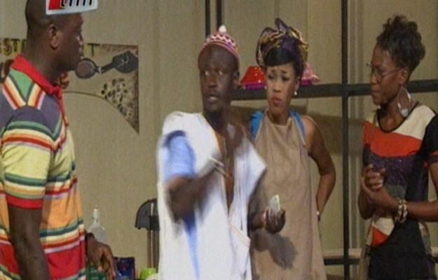 Vidéo: Daro et Per Bou Khar dans « La Gargote » du 03 juillet 2014. Regardez