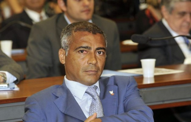 Romario veut envoyer en prison les dirigeants du foot brésilien.