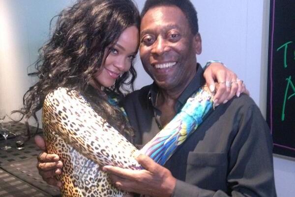 Rihanna dans les bras de Pelé au Brésil: Elle n'a rien raté du Mondial