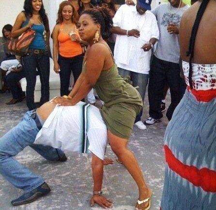 Arrêt sur image-La danse Yeur ko, pire que Bombass
