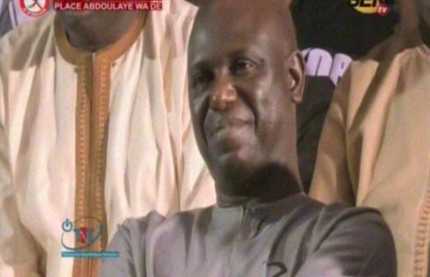 Vidéo: Mansour Faye hué et Golbert Diagne venu à la rescousse, se fait hué à son tour
