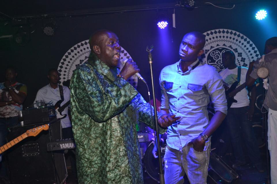 Revivez les images de la soirée dominical du nouveau roi de la musique Sénégalaise Pape Diouf au Baramundi.