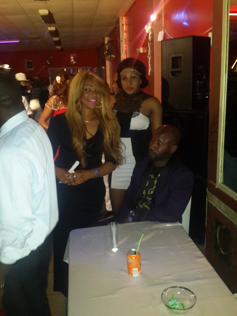 15 Photos:Titi la lionne de la musique Sénégalaise a rugit a Antwerp en Belgique ce 06 juin avant d'attérir à Montpellier et l'Italie.