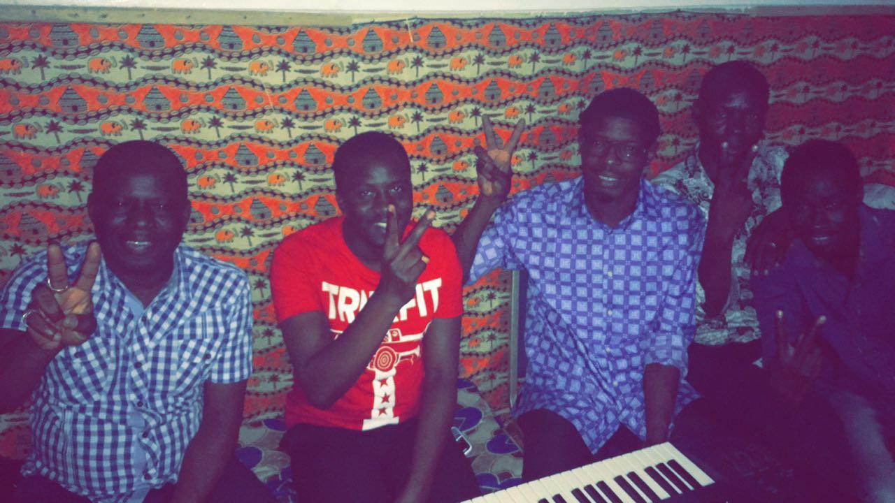 ESPRIT LIVE 2: Pape et Cheikh en studio disponible prochainement.