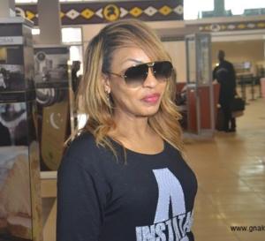 Vivianne Chidid pose ses valises en Guinée