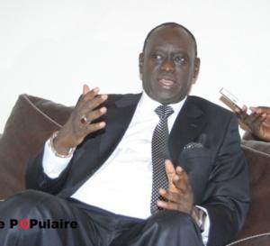 Me El Hadji Diouf loue le courage de Yahya Jammeh et lui demande de partir la tête haute