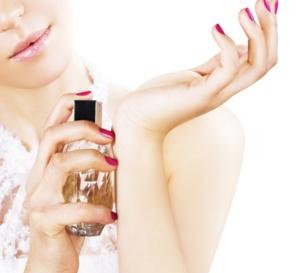 Comment faire tenir l'odeur du parfum toute la journée